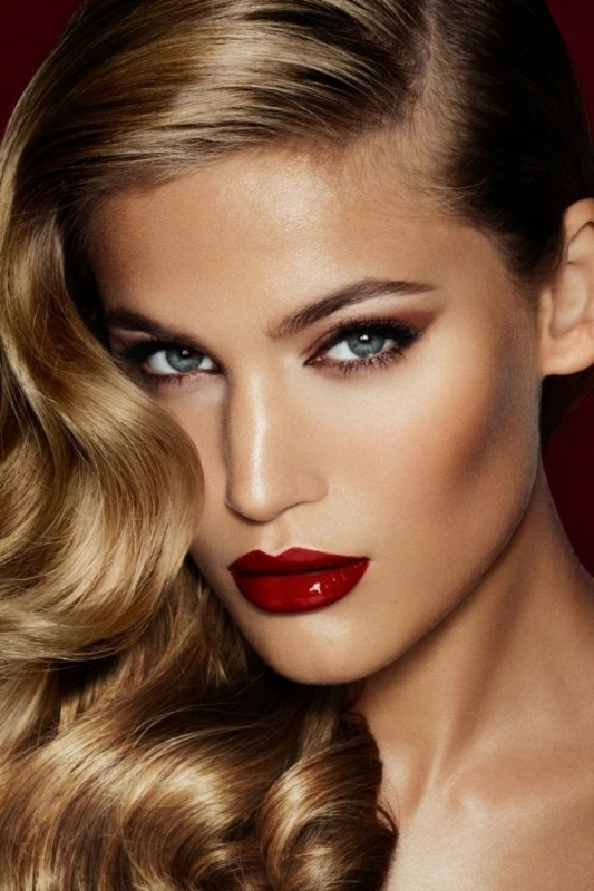 glossy-lips-and-eyes-4 14 Latest Makeup Trends to Be More Gorgeous in 2020