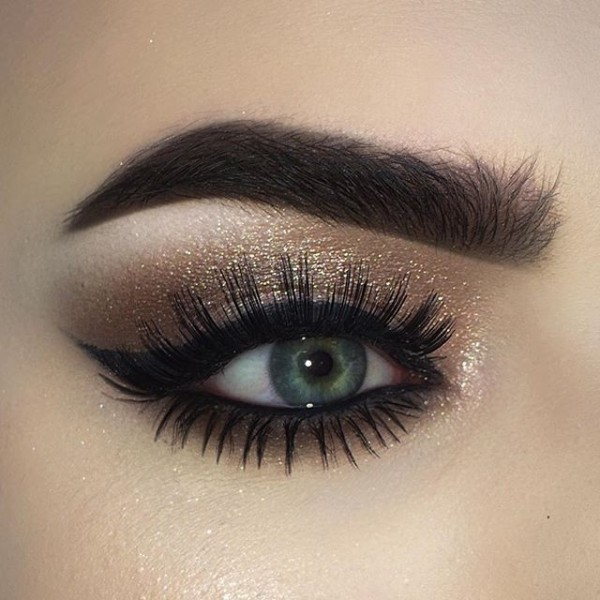 long-and-thick-eyelashes-1 14 Latest Makeup Trends to Be More Gorgeous in 2020