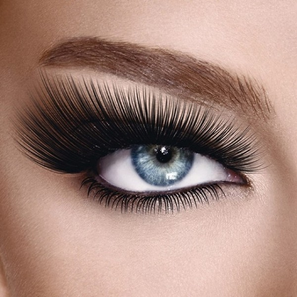 long-and-thick-eyelashes-2 14 Latest Makeup Trends to Be More Gorgeous in 2020