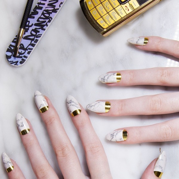 marble-nails-10 28+ Dazzling Nail Polish Trends You Must Try in 2021