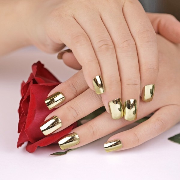 metallic-nails-11 28+ Dazzling Nail Polish Trends You Must Try in 2021
