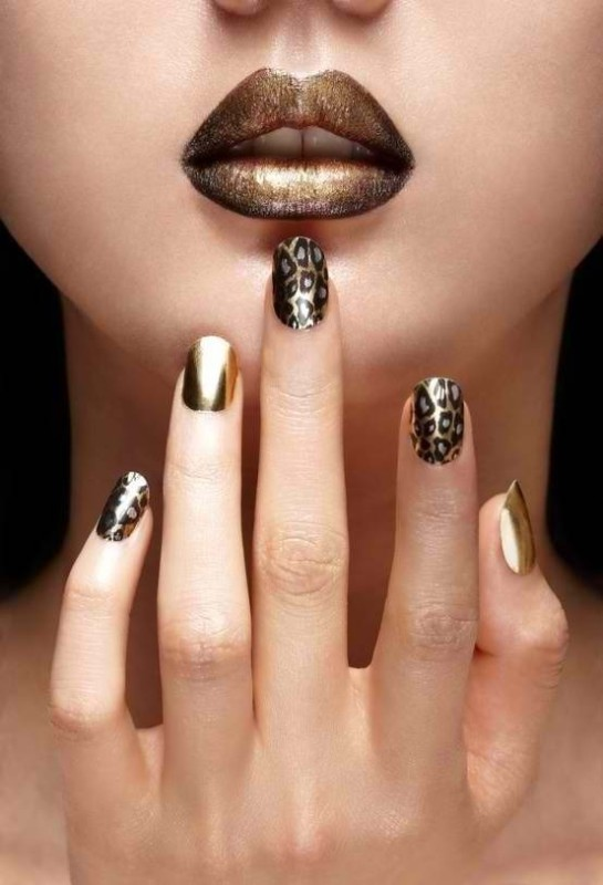 metallic-nails-3 28+ Dazzling Nail Polish Trends You Must Try in 2021