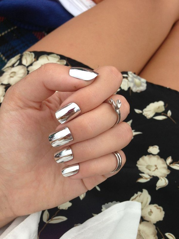 metallic-nails-4 28 Dazzling Nail Polish Trends You Must Try in 2017