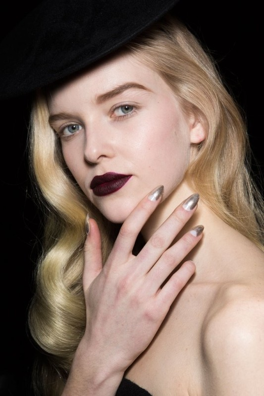 metallic-nails 28+ Dazzling Nail Polish Trends You Must Try in 2021