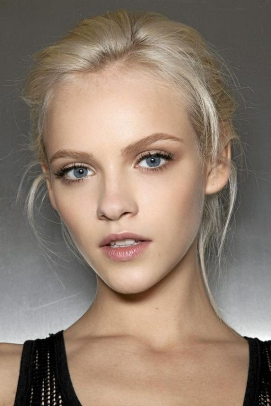 natural-brows-1 14 Latest Makeup Trends to Be More Gorgeous in 2020