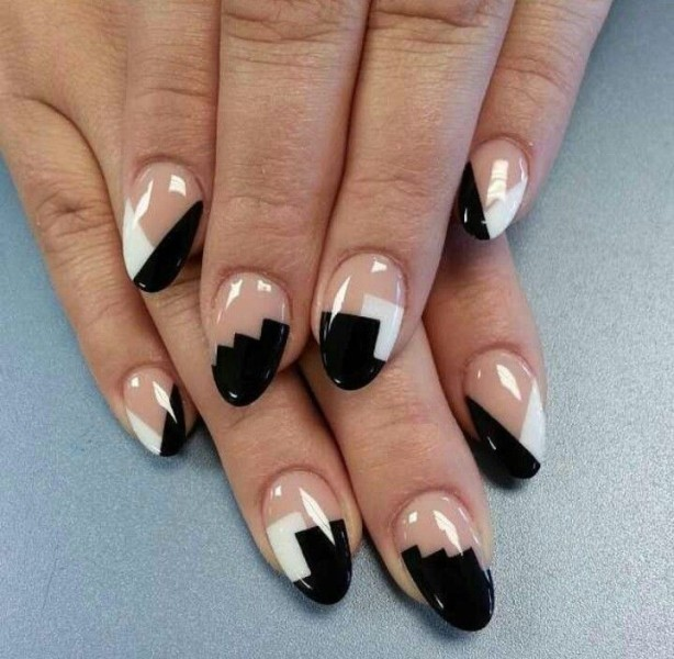 negative-space-nails-11 28+ Dazzling Nail Polish Trends You Must Try in 2018