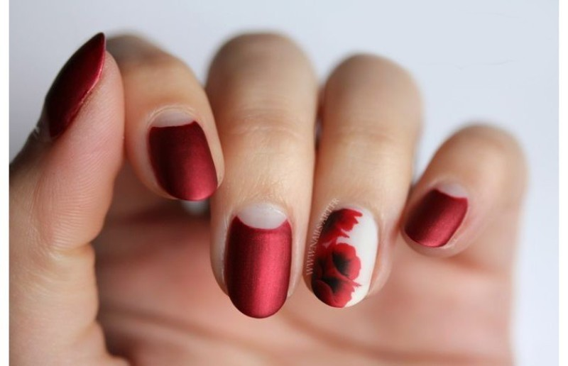 negative-space-nails-20 28+ Dazzling Nail Polish Trends You Must Try in 2021
