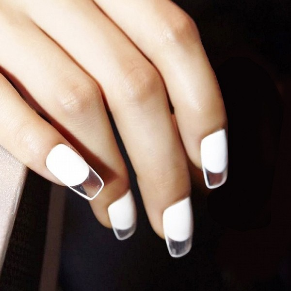 negative-space-nails-26 28+ Dazzling Nail Polish Trends You Must Try in 2021