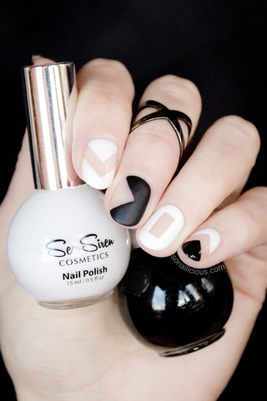 negative-space-nails-5 28+ Dazzling Nail Polish Trends You Must Try in 2021