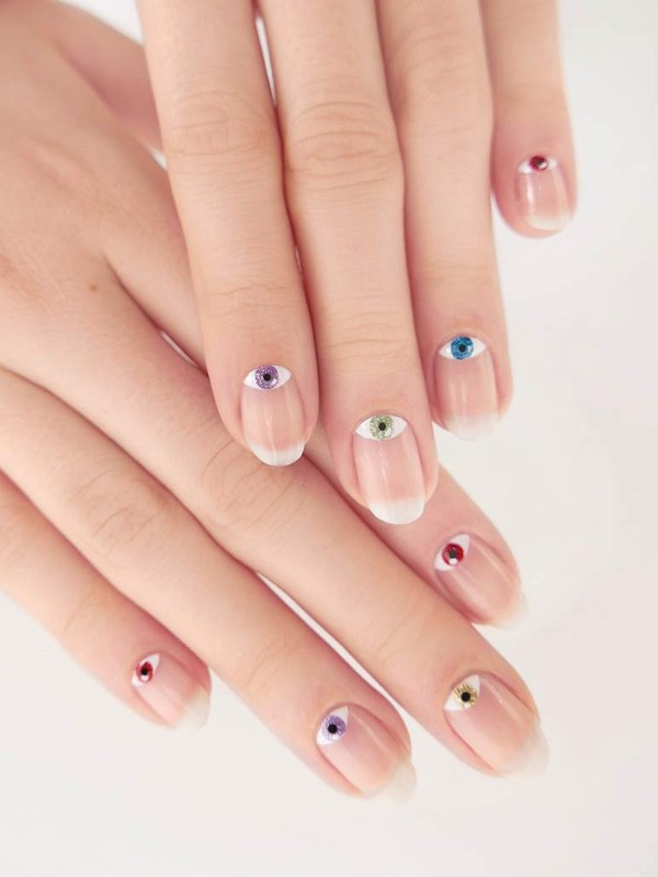 negative-space-nails-6 28+ Dazzling Nail Polish Trends You Must Try in 2019
