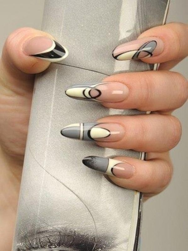 negative-space-nails-9 28+ Dazzling Nail Polish Trends You Must Try in 2021
