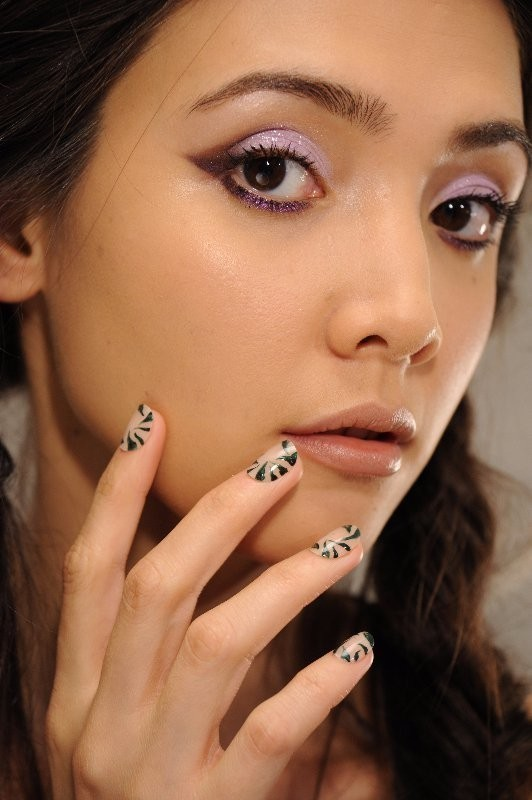 negative-space-nails 28+ Dazzling Nail Polish Trends You Must Try in 2021