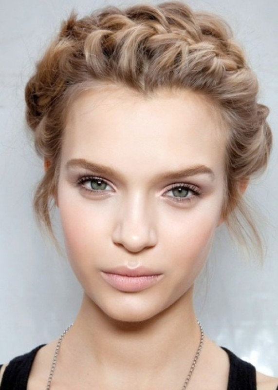 radiant-complexion-2 14 Latest Makeup Trends to Be More Gorgeous in 2020