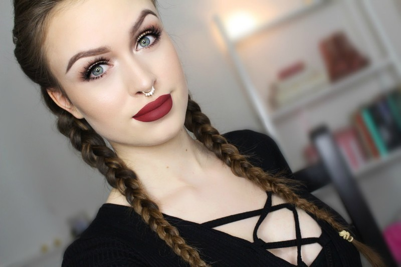 red-lips-10 14 Latest Makeup Trends to Be More Gorgeous in 2020