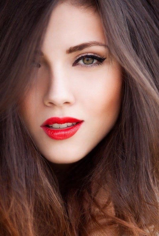 red-lips-3 14 Makeup Trends to Be More Gorgeous in 2017