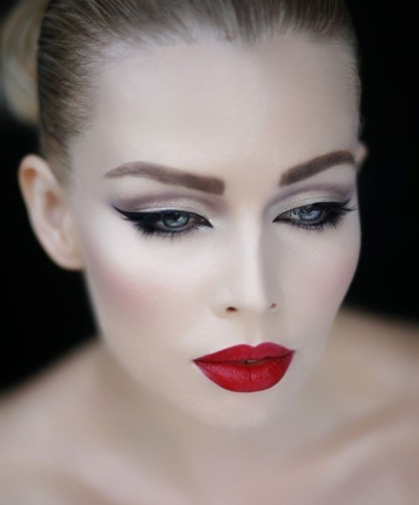 red-lips-7 14 Latest Makeup Trends to Be More Gorgeous in 2020