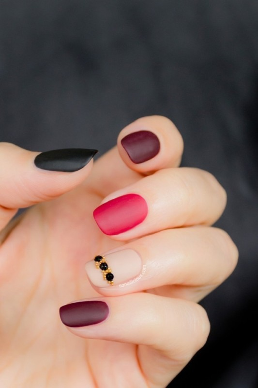 simple-nails-1 28+ Dazzling Nail Polish Trends You Must Try in 2019