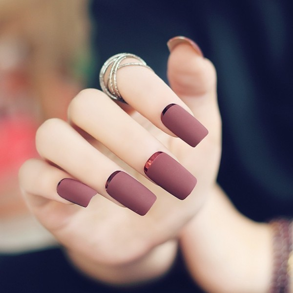 simple-nails-5 28+ Dazzling Nail Polish Trends You Must Try in 2021