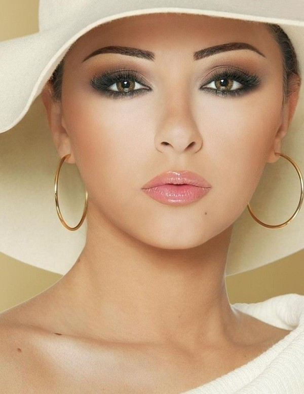 smokey-eyes-3 14 Latest Makeup Trends to Be More Gorgeous in 2020
