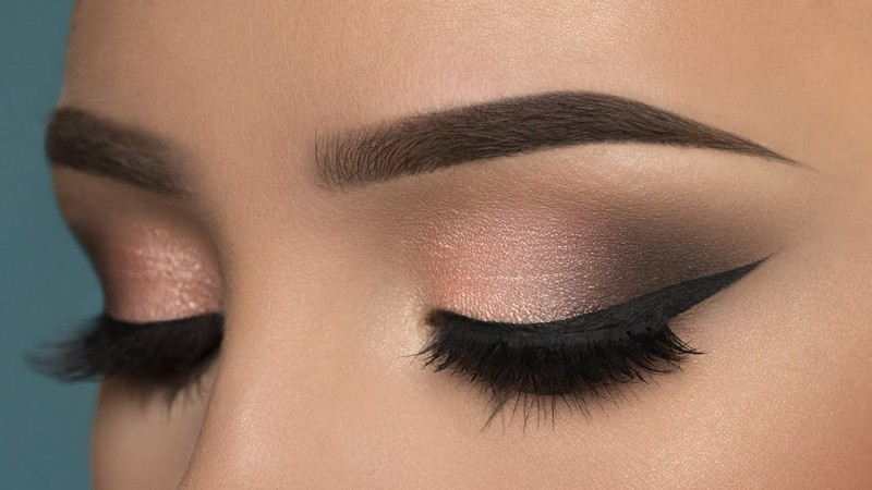 smokey-eyes-7 14 Makeup Trends to Be More Gorgeous in 2017