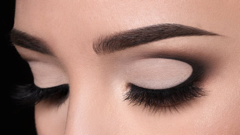 smokey-eyes-8 14 Latest Makeup Trends to Be More Gorgeous in 2020