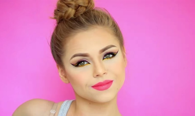 statement-liner-and-graphic-eyes-13 14 Latest Makeup Trends to Be More Gorgeous in 2020
