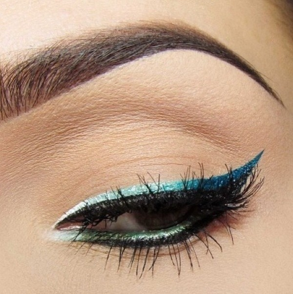 statement-liner-and-graphic-eyes-9 14 Makeup Trends to Be More Gorgeous in 2017
