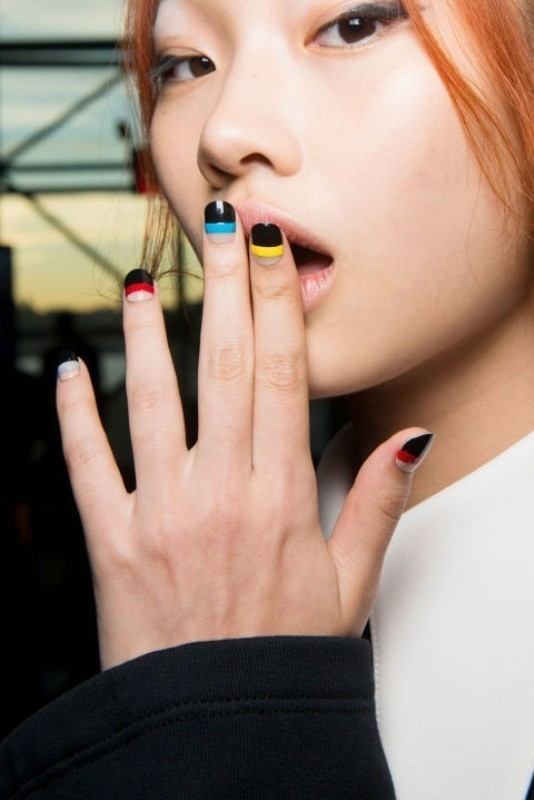 striped-nails-4 28+ Dazzling Nail Polish Trends You Must Try in 2018