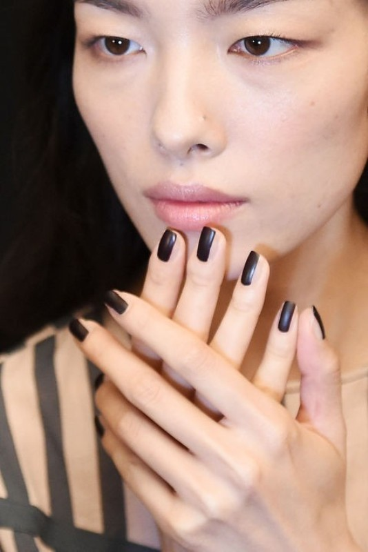 striped-nails-5 28+ Dazzling Nail Polish Trends You Must Try in 2018