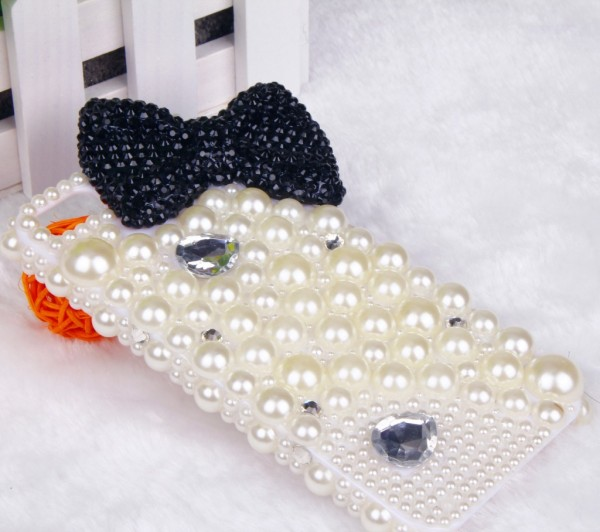 wholesale-phone-case-iphone4s-5-diamond-phone-shell-bow-diamond-pearl-shell-shell-mobile-phone-sets-apple-5-a-generation-of-fat_diamond_-dimensions-normal-size-color-pearl-shell-applicable-model-iph_4 80+ Diamond Mobile Covers