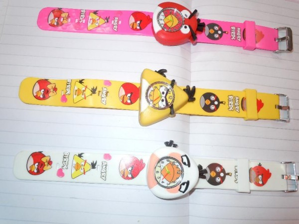 1374707669_530855350_8-Great-and-stylish-cartoon-watches-for-your-kids- 75 Amazing Kids Watches Designs