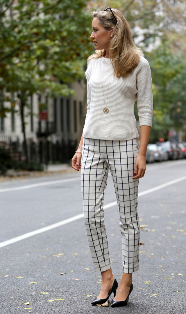30-Chic-Work-Outfits-to-Wear-this-Summer_memorandum 25+ Women Engagement Outfit Ideas Coming in 2020