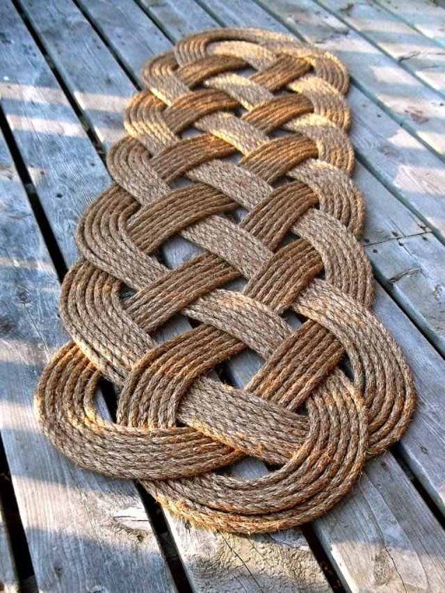 Aquatic-rope-bath-rug2 10 Creative DIY Bathroom Rugs