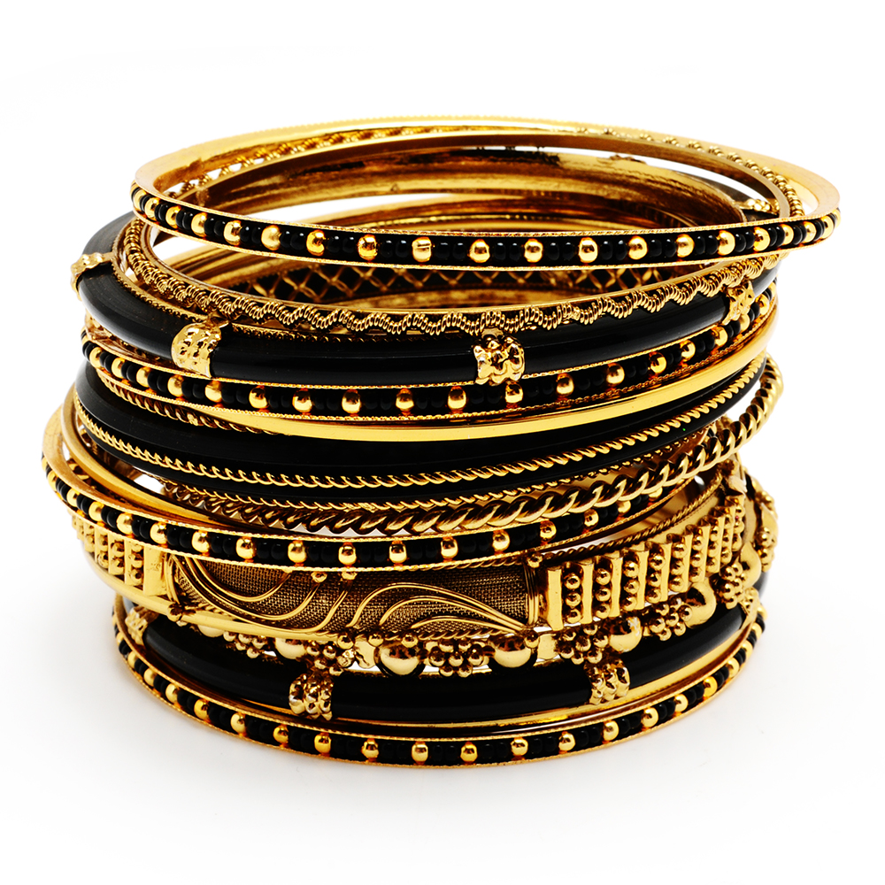 BANGLES2 10 Most Beauty Trends That Men Hate