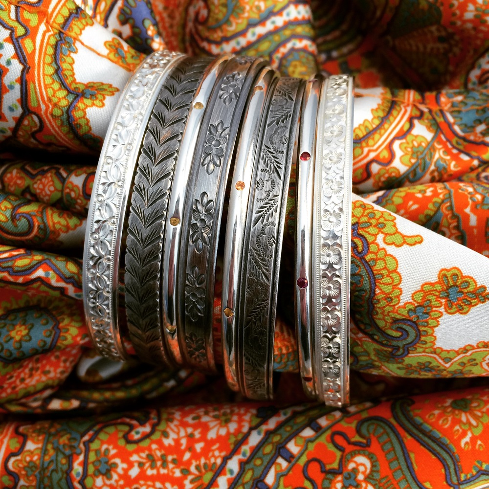 BANGLES4 10 Most Beauty Trends That Men Hate