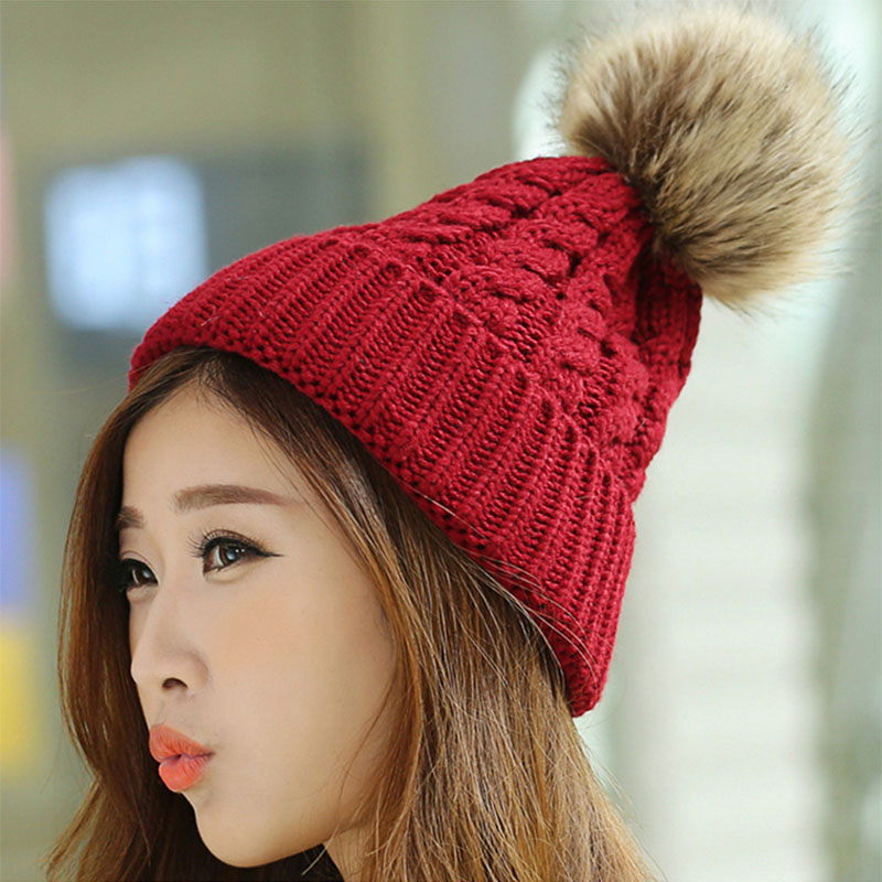 BEANIES1 10 Most Beauty Trends That Men Hate