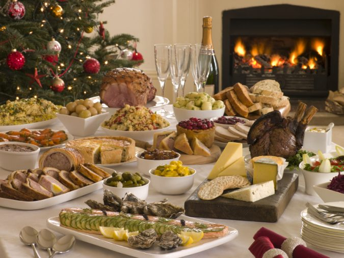 Boxing-Day-Buffet-Lunch-Christmas-Tree-675x506 2018 Best New Year's Eve Decorating Ideas
