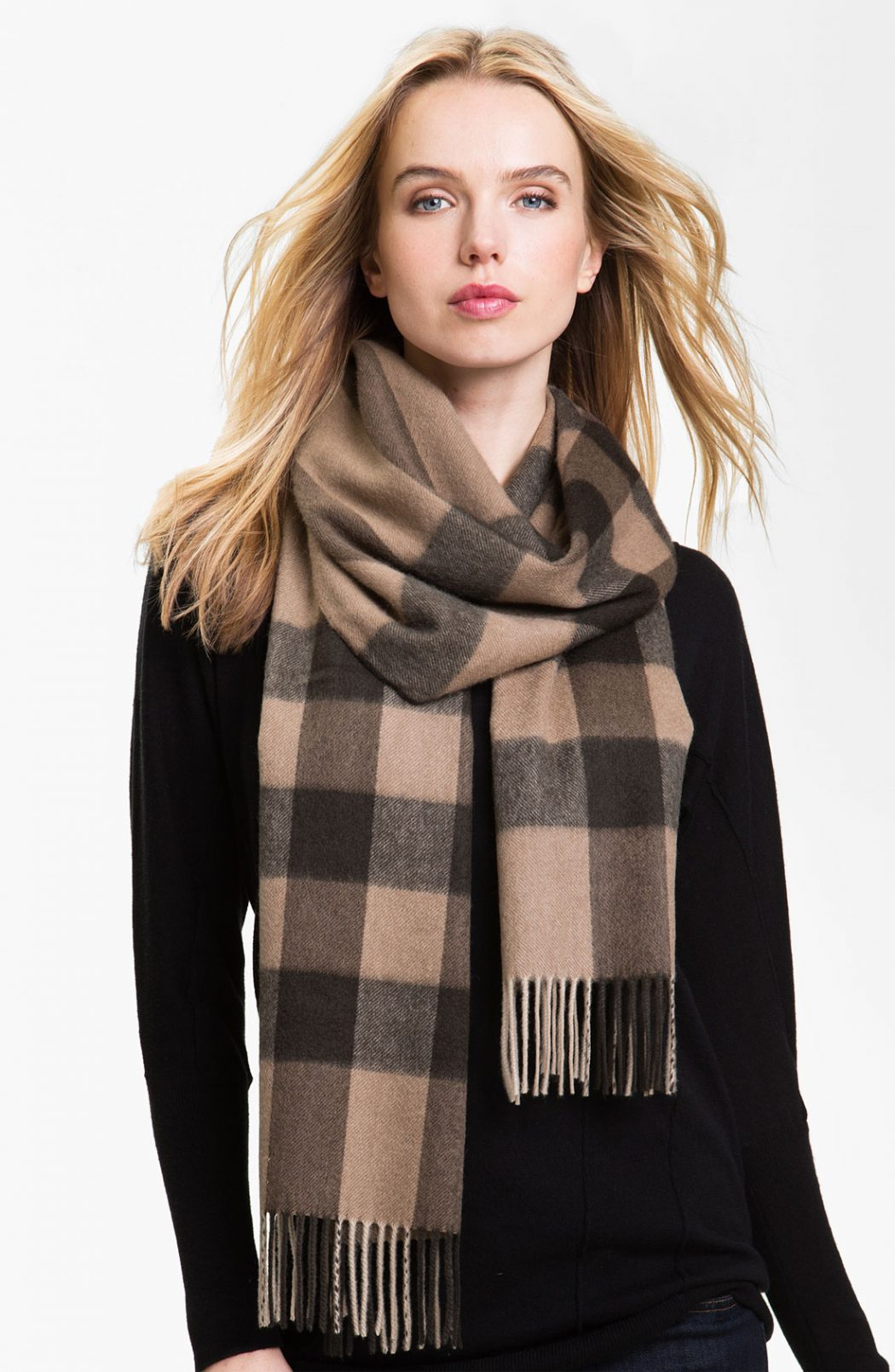 Cashmere-Scarf3 22+ Elegant Scarf Trend Forecast for Winter & Fall 2020