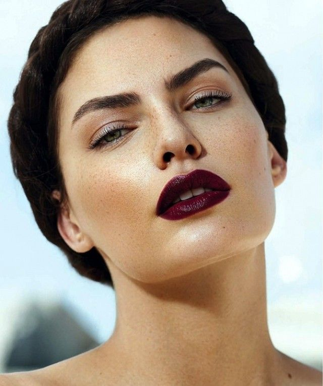 DARK-LIPSTICK3 10 Most Beauty Trends That Men Hate