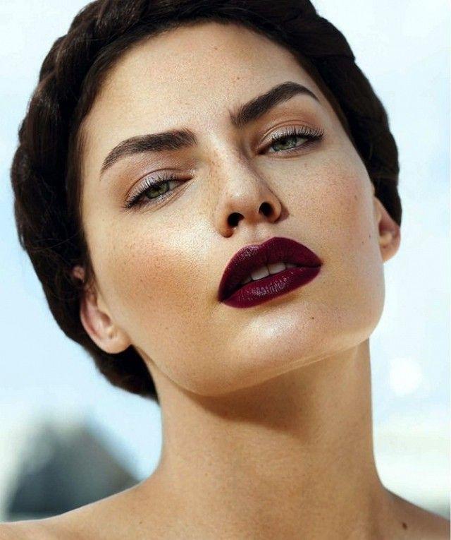 DARK-LIPSTICK3 10 Most Beauty Trends That Men Hate