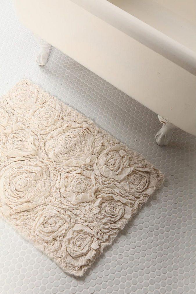 DIY-bath-rug2-675x1013 10 Creative DIY Bathroom Rugs