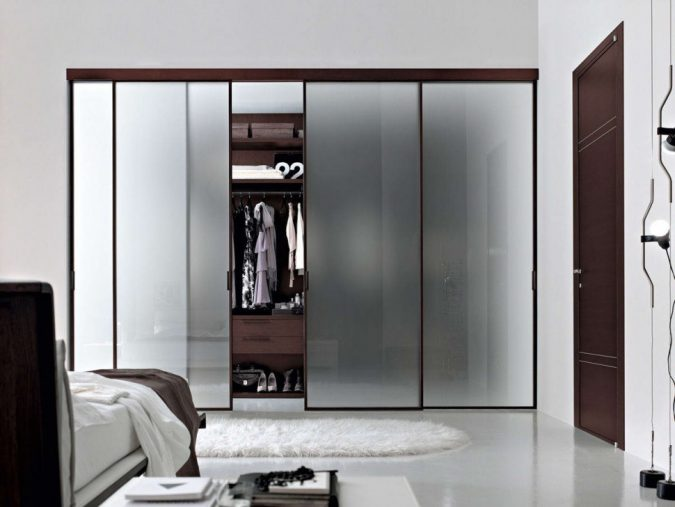 Frosted-windows-wardrobe2-675x507 Most Stylish 6 Bedroom Wardrobes Design Ideas