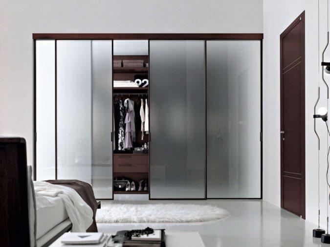 Frosted-windows-wardrobe2-675x507 Most Stylish 6 Bedroom Wardrobes Design Ideas