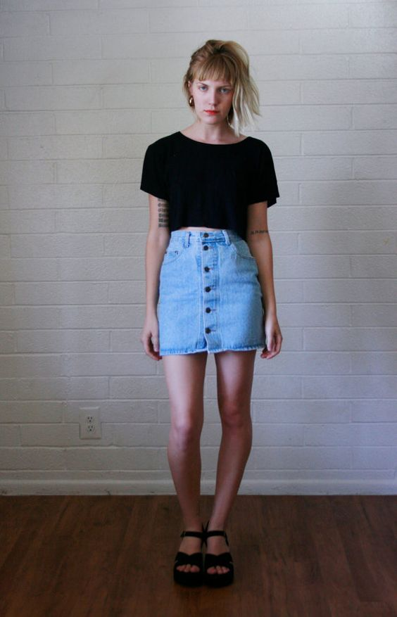 HIGH-WAISTED-ANYTHING2 10 Most Beauty Trends That Men Hate