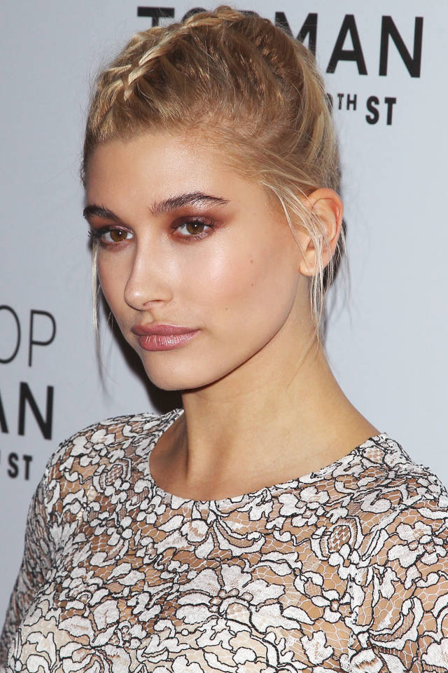 Hailey-Baldwin3 Trendy Fashion: 15+ Hottest Celebrities' Hairstyles Trends