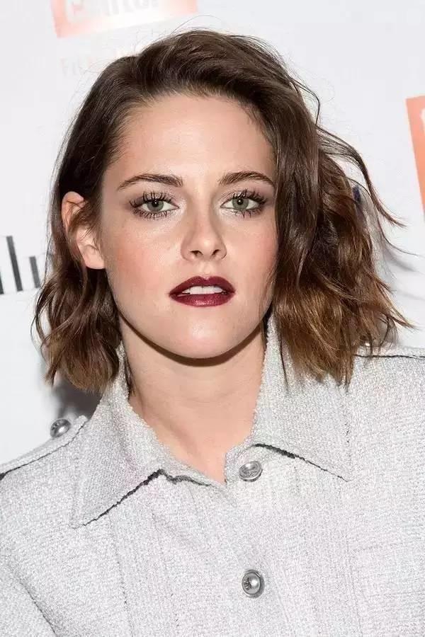 Kristen-Stewart6 15+ Hottest Celebrities' Hairstyles Trends in 2017