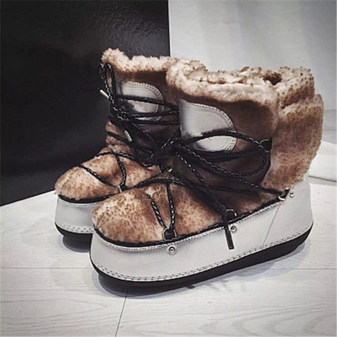 Lace-up-women-boots4-675x675 5 Main Women Shoe Trends for 2018