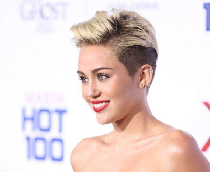 Miley-Cyrus-675x554 Trendy Fashion: 15+ Hottest Celebrities' Hairstyles Trends