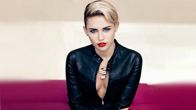 Miley-Cyrus3-675x380 15+ Fashionable Tremendous Celebrities' Hairstyles
