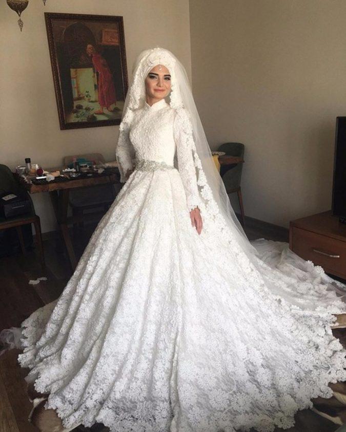 Muslim-bride-in-wedding-dress3-675x844 5 Stylish Muslim Wedding Dresses Trends for 2020